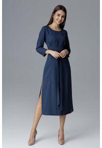 Niebieska sukienka Figl wizytowa