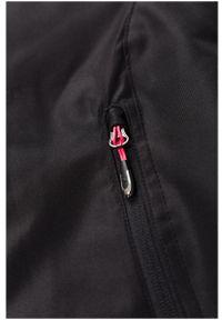 Czarna kurtka narciarska outhorn ze stójką, na jesień
