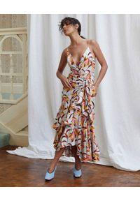 ACLER - Sukienka Marlay we wzór. Typ kołnierza: kołnierz z falbankami. Kolor: brązowy. Materiał: len, wiskoza, nylon. Wzór: kwiaty. Typ sukienki: asymetryczne. Długość: midi
