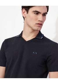 Armani Exchange - ARMANI EXCHANGE - Koszulka polo z logo. Typ kołnierza: polo. Kolor: czarny. Materiał: bawełna, elastan. Styl: klasyczny