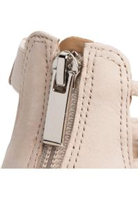 Beżowe sandały Eva Longoria eleganckie