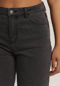 Renee - Ciemnoszare Jeansy Adrena. Kolor: szary. Materiał: jeans