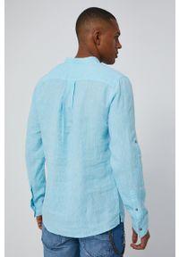 medicine - Medicine - Koszula Basic. Typ kołnierza: kołnierzyk stójkowy. Kolor: turkusowy. Materiał: tkanina. Długość rękawa: długi rękaw. Długość: długie. Wzór: gładki