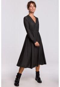 e-margeritka - Sukienka midi rozkloszowana z dekoltem V - 42. Typ kołnierza: dekolt w serek. Materiał: dzianina, materiał, poliester, bawełna, elastan. Styl: elegancki. Długość: midi