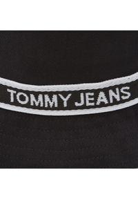 Tommy Jeans - Kapelusz TOMMY JEANS - Tjw Mini Logo Tape Bucket AW0AW09768 BDS. Kolor: czarny. Materiał: materiał, bawełna