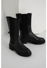 Answear Lab - Sztyblety skórzane. Nosek buta: okrągły. Kolor: czarny. Materiał: skóra. Szerokość cholewki: normalna. Obcas: na obcasie. Styl: wakacyjny. Wysokość obcasa: niski