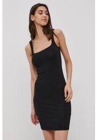 Noisy may - Noisy May - Sukienka. Kolor: czarny. Materiał: dzianina, bawełna. Wzór: gładki. Typ sukienki: dopasowane