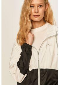 Biała kurtka columbia z kapturem