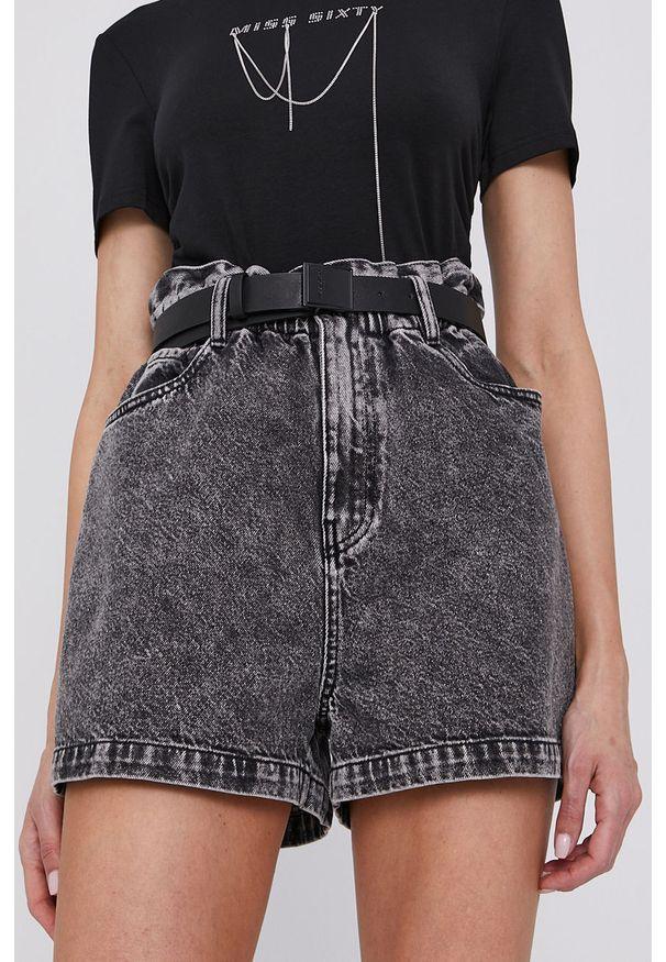 Miss Sixty - Szorty. Okazja: na co dzień. Stan: podwyższony. Kolor: szary. Materiał: jeans, denim, bawełna. Wzór: gładki. Styl: klasyczny, casual