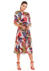Infinite You - Klasyczna Rozkloszowana Sukienka z Kolorowym Wzorem. Materiał: poliester, elastan. Wzór: kolorowy. Styl: klasyczny