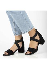 Filippo - Czarne sandały damskie FILIPPO DS2093/21. Kolor: czarny. Materiał: zamsz. Obcas: na obcasie. Styl: klasyczny
