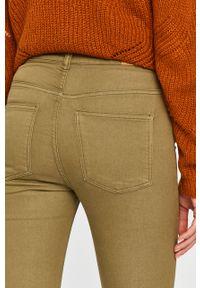 Zielone spodnie materiałowe Jacqueline de Yong z podwyższonym stanem