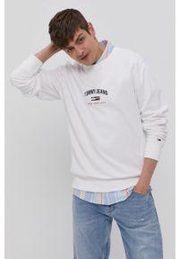 Tommy Jeans - Bluza bawełniana. Okazja: na co dzień. Kolor: biały. Materiał: bawełna. Wzór: aplikacja. Styl: casual