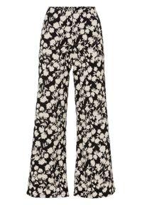 Czarne spodnie bonprix z nadrukiem