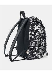 GOLDEN GOOSE - Czarny plecak z nadrukami Journey. Kolor: czarny. Materiał: materiał. Wzór: nadruk