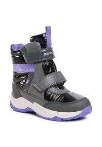Geox - Śniegowce GEOX - J Sentiero G.B Wpf B J04CFB 0FEFU C9246 S Dk Grey/Purple. Okazja: na spacer. Kolor: szary. Materiał: skóra, materiał. Wzór: aplikacja. Sezon: zima. Styl: młodzieżowy