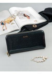 ROVICKY - Skórzany portfel damski lakierowany czarny RFID Rovicky 8807. Kolor: czarny. Materiał: skóra
