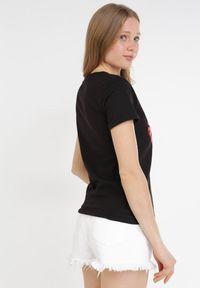 Born2be - Czarny T-shirt Jaensha. Kolor: czarny