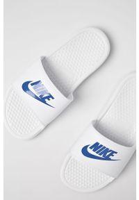 Białe klapki Nike Sportswear