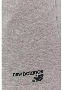 New Balance - Szorty. Okazja: na co dzień. Kolor: szary. Styl: casual