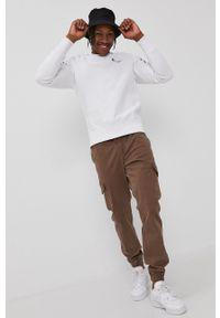 Champion - Bluza. Kolor: biały. Materiał: dzianina. Długość rękawa: raglanowy rękaw. Wzór: gładki, aplikacja