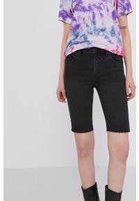 medicine - Medicine - Szorty jeansowe Denim. Okazja: na co dzień. Kolor: czarny. Materiał: jeans, denim. Styl: casual