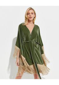 ICON - Zielone kimono z jedwabnego weluru. Kolor: zielony. Materiał: welur, jedwab. Wzór: aplikacja. Sezon: lato. Styl: elegancki