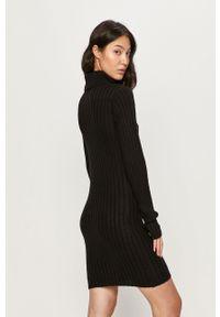 Czarna sukienka Brave Soul prosta, z długim rękawem