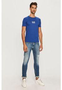 Niebieski t-shirt EA7 Emporio Armani casualowy, na co dzień, z nadrukiem