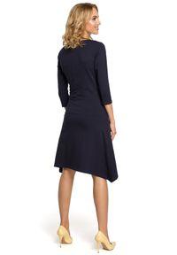 MOE - Dresowa sukienka w sportowym stylu z kieszeniami. Okazja: na co dzień. Materiał: dresówka. Typ sukienki: sportowe. Styl: sportowy