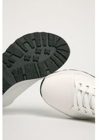 vagabond - Vagabond - Buty Janessa. Nosek buta: okrągły. Zapięcie: sznurówki. Kolor: biały