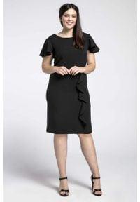 Nommo - Czarna Elegancka Sukienka ze Zwiewnym Rękawem PLUS SIZE. Kolekcja: plus size. Kolor: czarny. Materiał: wiskoza, poliester. Typ sukienki: dla puszystych. Styl: elegancki