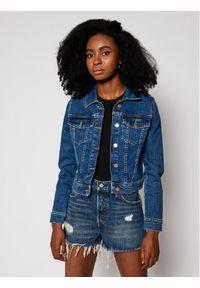 Niebieska kurtka jeansowa Guess