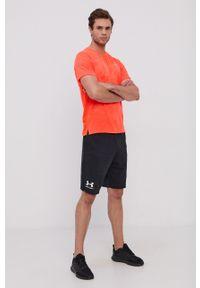 Under Armour - T-shirt. Kolor: pomarańczowy. Materiał: dzianina. Długość rękawa: raglanowy rękaw. Wzór: nadruk