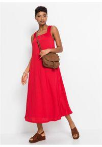 Sukienka oversize z krepy bonprix truskawkowy. Kolor: czerwony. Długość rękawa: na ramiączkach. Typ sukienki: oversize