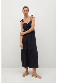mango - Mango - Sukienka INES. Kolor: czarny. Materiał: tkanina, bawełna. Długość rękawa: na ramiączkach. Wzór: haft, gładki. Typ sukienki: rozkloszowane