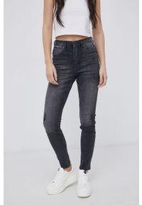 Cross Jeans - Jeansy Judy. Kolor: szary