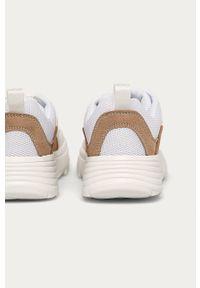 Białe buty sportowe Answear Lab na średnim obcasie, na obcasie, z cholewką