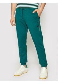 TOMMY HILFIGER - Tommy Hilfiger Spodnie dresowe Essential MW0MW17384 Zielony Regular Fit. Kolor: zielony. Materiał: dresówka
