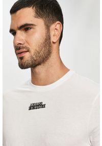 Biały t-shirt Armani Exchange na co dzień, casualowy, z nadrukiem