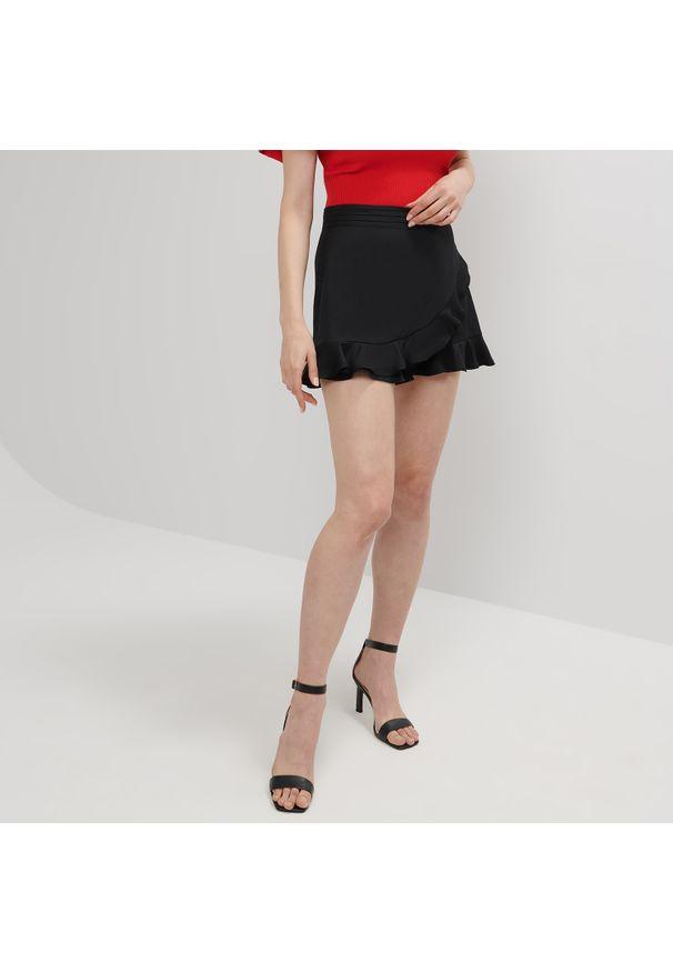 Mohito - Spódnico-spodenki - Czarny. Kolor: czarny
