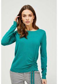 MOODO - Sweter z wiązaniem. Materiał: wiskoza, poliamid. Długość rękawa: długi rękaw. Długość: długie. Wzór: gładki