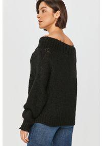 Czarny sweter Answear Lab z dekoltem typu hiszpanka, wakacyjny, długi, z długim rękawem