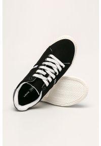 Czarne sneakersy Levi's® na spotkanie biznesowe, z okrągłym noskiem, na sznurówki