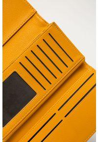 Żółty portfel Answear Lab