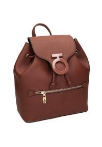 Plecak damski brązowy Nobo NBAG-J3470-CM17. Kolor: brązowy. Materiał: skóra ekologiczna. Styl: elegancki, casual