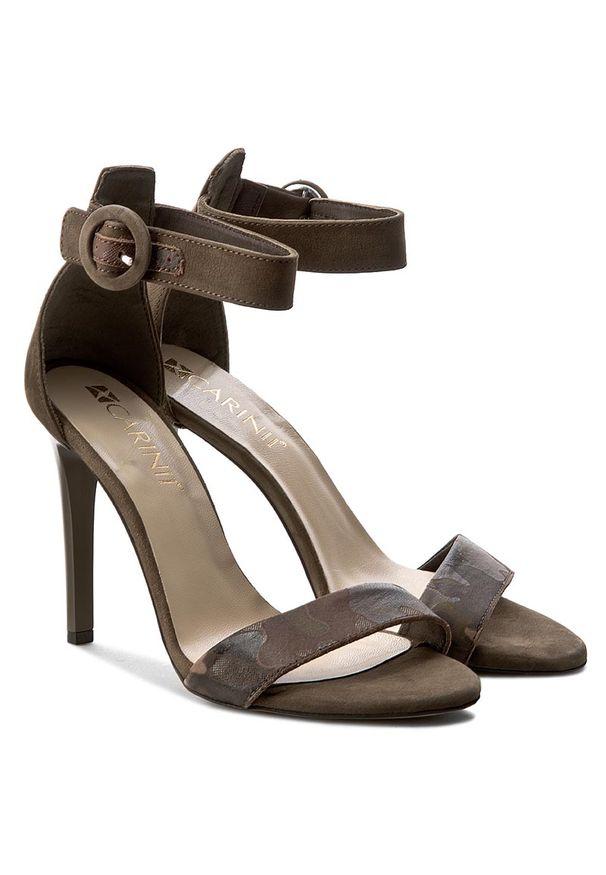 Zielone sandały Carinii klasyczne