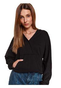 TOP SECRET - Kopertowa bluza z kapturem. Typ kołnierza: kaptur. Kolor: niebieski. Materiał: tkanina. Długość: długie. Sezon: wiosna. Styl: sportowy