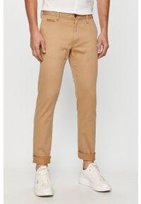 s.Oliver - s. Oliver - Spodnie. Kolor: beżowy. Materiał: tkanina