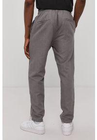 Superdry - Spodnie. Okazja: na co dzień. Kolor: szary. Styl: casual